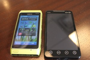 Pic: Nokia N8 vs HTC Evo 4G vs iPhone 3GS Vs Nokia E73 Mode