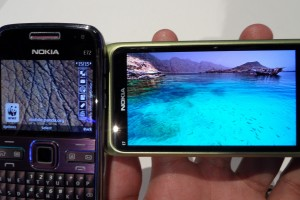 Gallery: Nokia N900 vs Nokia E7 &#8211; Just how much better is CBD AMOLED over TFT LCD?