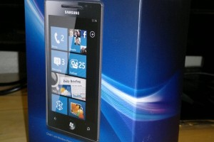 MyNokiaBlog unboxes a Samsung Omnia 7 WP7 phone. Hell not frozen yet.