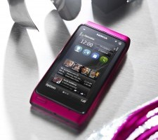 Officially Pretty in Pink &#8211; Nokia N8 Intense Pink released, (with Symbian Anna?)