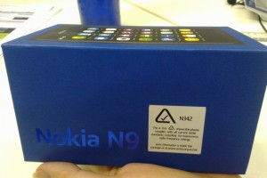 Videos: Nokia N9 Unboxing + First Review; More reviews to follow shortly (Update: Unboxing is up, Now with written review)