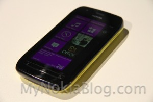 Nokia Lumia 710 hands on (with colourful covers)