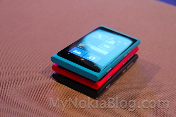 Nokia Lumia 800 Blue (Cyan) now available at Vodafone