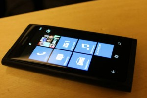 CNN's Review of the Nokia Lumia 800
