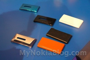 Accessories: Official Nokia Lumia 800 covers (back plate and leather flippy cases)
