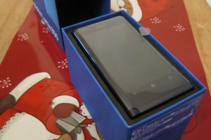 Stephen Elops gifts a Lumia 800…