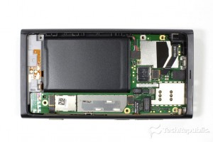 Nokia Lumia 800 teardown