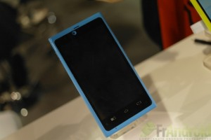 Nokia N9/Lumia 800 Clone at CES with Android