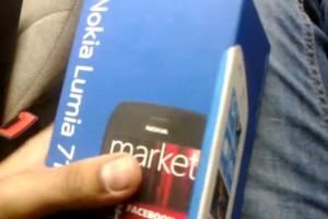 Video: Nokia Lumia 710 (black) unboxing
