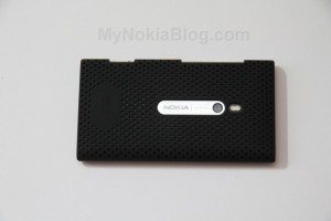 Accessories: Airflow case for Nokia Lumia 800 (Video and Gallery)