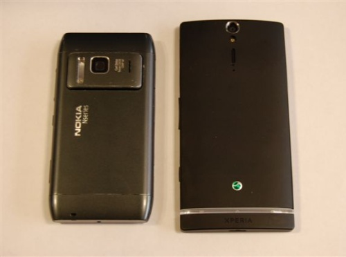 Nokia-N8-and-Sony-Xperia-S-Back