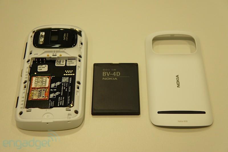 9badf6d25 Nokia 808 PureView - MobilMania.cz