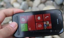 Nokia Lumia 710 Unboxing (11)