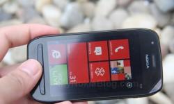 Nokia Lumia 710 Unboxing (12)