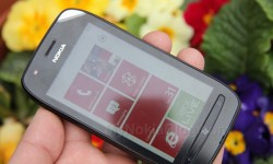 Nokia Lumia 710 Unboxing (20)