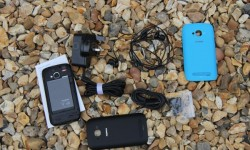 Nokia Lumia 710 Unboxing (3)