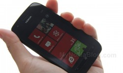 Nokia Lumia 710 Unboxing (4)