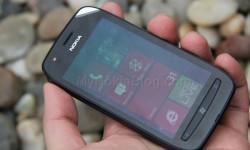 Nokia Lumia 710 Unboxing (5)