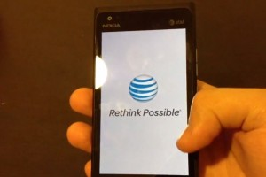 Video: Nokia Lumia 900 for AT&T walkthrough from start up