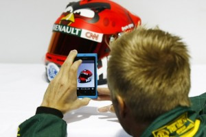 Finnish F1 driver Heikki Kovalainen signs deal with Rovio and get Angry Birds helmet.