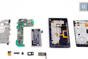 Nokia Lumia 900 Disassembly
