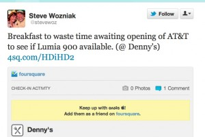 Apple Co-Founder Steve Wozniak Lining up to buy Nokia Lumia 900?