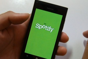 Lumiappaday #157: Spotify demoed on the Nokia Lumia 800