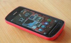 Red Nokia 808 PureView
