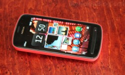Red Nokia 808 PureView(4)