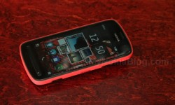 Red Nokia 808 PureView(5)
