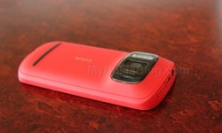 Red Nokia 808 PureView(8)