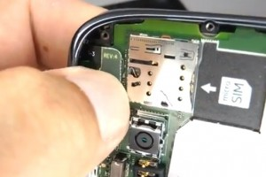 Video: Nokia Lumia 610 Disassembly & Assembly – Screen and Case