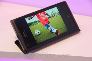 Accessories: Awesome leather case that turns into a stand for the Nokia Lumia 900