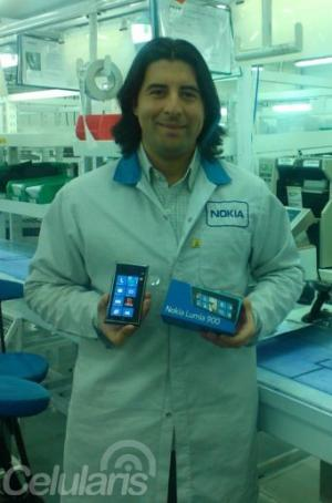 Nokia's Beijing Factory Can Only Push out 2 Million Lumias Per month, 600,000 of Which Are 920s