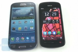 Video: Nokia 808 PureView vs Samsung Galaxy S III