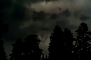 Video: Nokia 808 PureView, thunderstorm – extreme low light