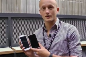 Video: Nokia Lumia 920 vs Samsung Galaxy S3 size comparison.