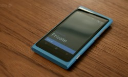 Blue Nokia Lumia 800 on BBC show &#039;Cuckoo&#039;