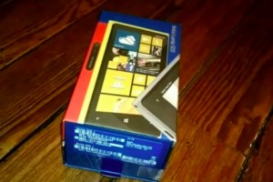 Video: French unboxing of Nokia Lumia 920 (black)