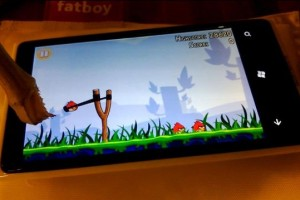 Molehill time: Nokia Lumia 920 – super sensitive screen pocket activation? What's that proximity sensor over there doing?
