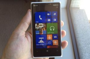 Laptopmag: Nokia Lumia 920 is the ULTIMATE Windows Phone
