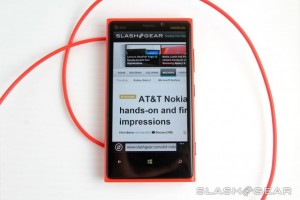 SlashGear&#8217;s Nokia Lumia 920 Review, &#8220;clearly the most unique Windows Phone 8 experience&#8221;