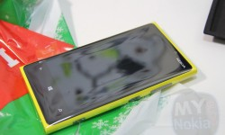yellow nokia lumia 920 unboxing
