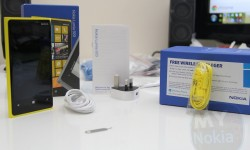 yellow nokia lumia 920 unboxing(6)