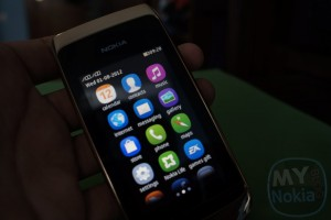 Video:Demoing Asha S40 Full Touch UI (On Asha 308)