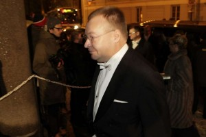 MNB RG: Marko Ahtisaari wears Live Tiles to Finnish independence day reception? Stephen Elop present too.