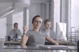 Video: Nokia Asha Charme – Nokia Russia