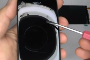Video: Nokia 808 PureView Digitizer & Display Replacement