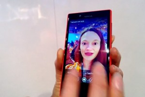 Videos: Nokia Glam Me self portrait lens demoed on Nokia Lumia 720