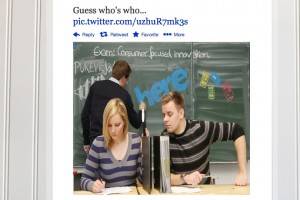 Twitpic: Nokia calling out the copy cats? [Sammy S4, Apple and Nokia?]